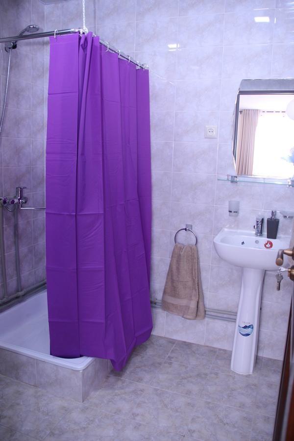 nisso guest house bath