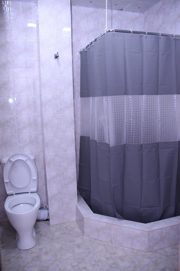 nisso guest house bathroom